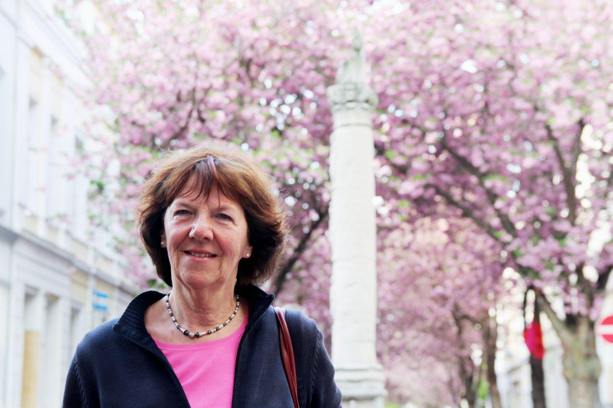 Brigitte Denkel hatte einst die Idee, Kirschbäume entlang der Heerstraße zu pflanzen.